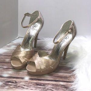 Adrianna papell hight Heels